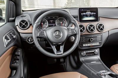 Mercedes Clase B 2014 salpicadero Urban [400x266]