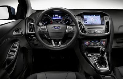 Ford Focus 2014 salpicadero volante [400x300]