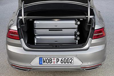 VW Passat 2015 maletero [400x267]