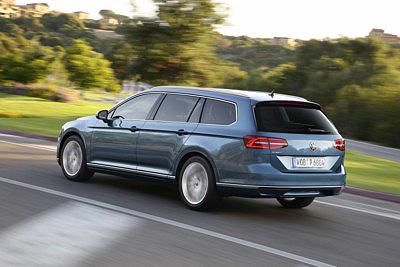 VW Passat Variant 2015 trasera dinamica [400x267]
