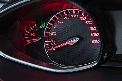 Peugeot 308 GT velocimetro [400x267]