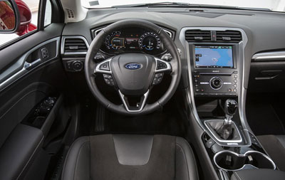 Ford-Mondeo-2014-5p-02