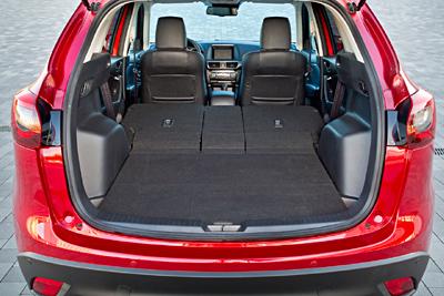 Mazda_CX5_2015_-interior-maletero (400)