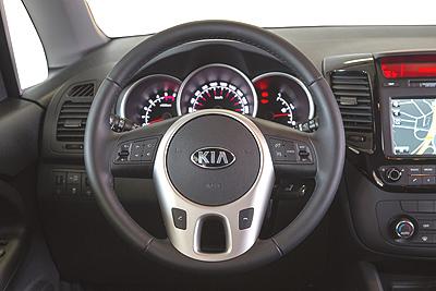 kia Kia Venga restyling 2015 int. salpicadero 2 volante (400)
