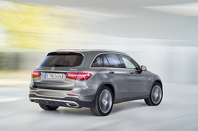 Mercedes GLC 2015 ext. trasera dinamica 2 [400]