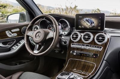 Mercedes GLC 2015 int. salpicadero 3 [400]
