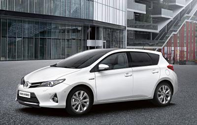 Toyota_Auris_Hybrid_09_2012