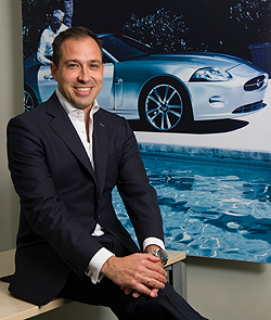 Oscar Oñate_Director General de Marketing JLR (300)