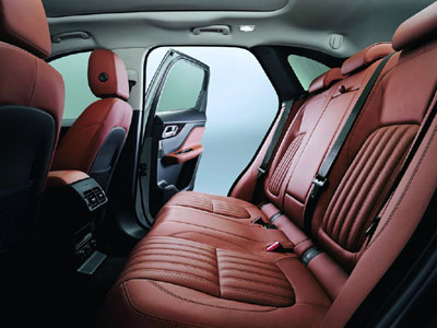 Jaguar F Pace Portfolio ext. 64 [400]