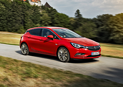 Opel Astra 2015_ext. delantera dinamica 33 (400)