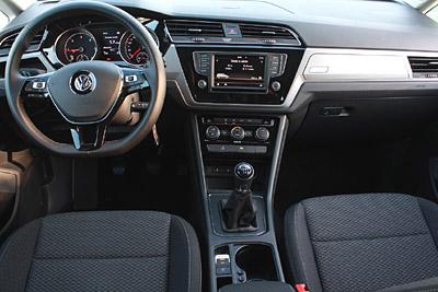 VW Touran 2015 20 salpicadero 400