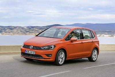 14_nuevo-golf-sportsvan6 400