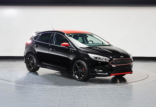 Ford focus 2015_Red Black_edition black