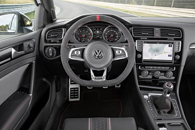 VW Golf GTI Clubsport int. volante 3 400