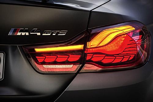 BMW M4 GTS Pilotos OLED 01 500
