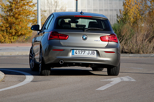 02 BMW 116d Sport 5p Steptronic 2015 500