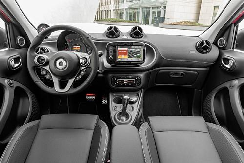 03 smart ForTwo Brabus 2016 500 interior salpicadero