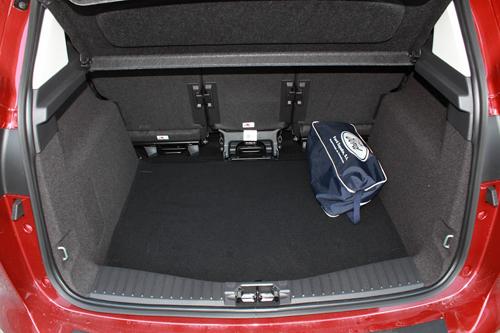 35 Ford C-MAX 1.0 EcoBoost 125 CV Titanium interior maletero 1 500