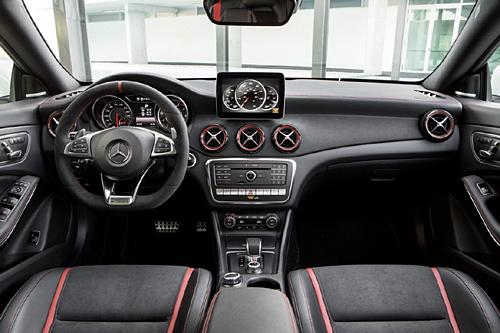 46 Mercedes CLA 45 AMG 2017 Restyling interior salpicadero 500
