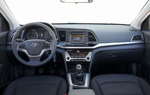 22 Hyundai Elantra 2016 interior salpicadero 500