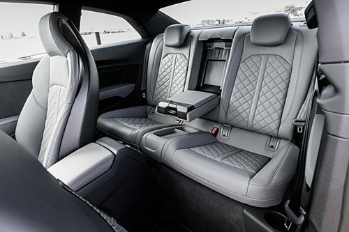 62 Audi S5 2016 interior asientos traseros 500
