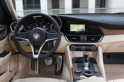 160510_alfa-romeo_giulia_31-interior-salpicadero-cambio-automatico-400