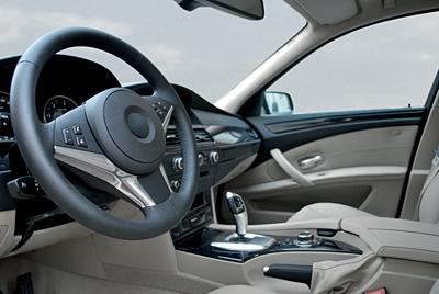 kluberalfa-mr3_image_automotive_interior_s-400