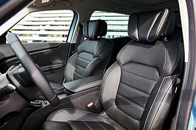 30-renault-scenic-2016-interior-asientos-delanteros-400