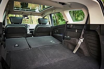 50-renault-grand-scenic-2016-interior-maletero-400