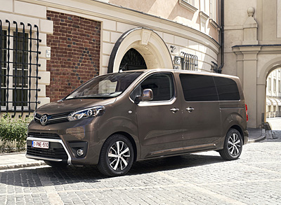toyota_proace_verso_2016-400