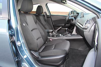 40-mazda3-2-2-d-sportsedan-luxury-pack-safetynavi-2016-interior-asientos-delanteros-400